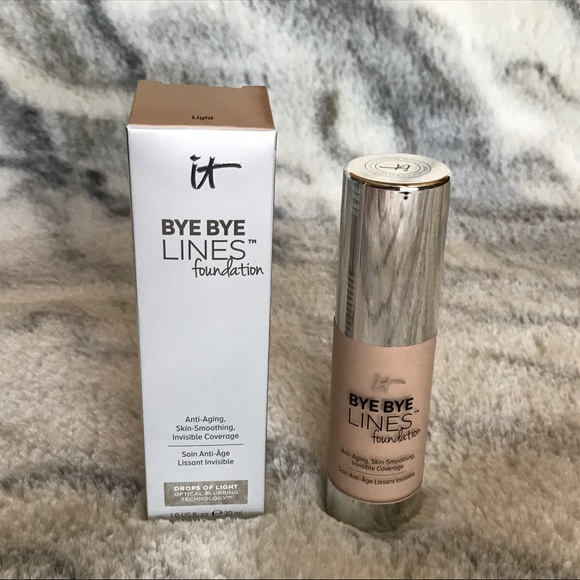 it cosmetics Other - It Cosmetics Bye Bye Lines Foundation- Light